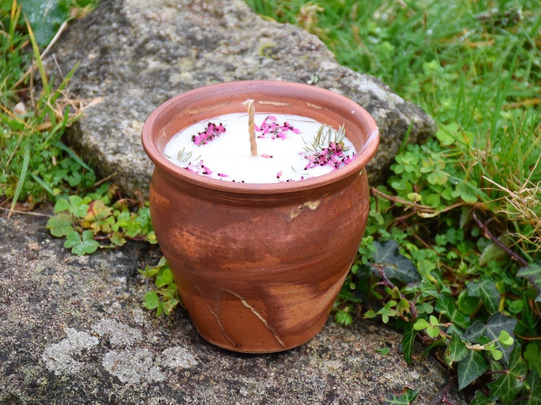 Bougie artisanale pot en grès terre cuite ocre