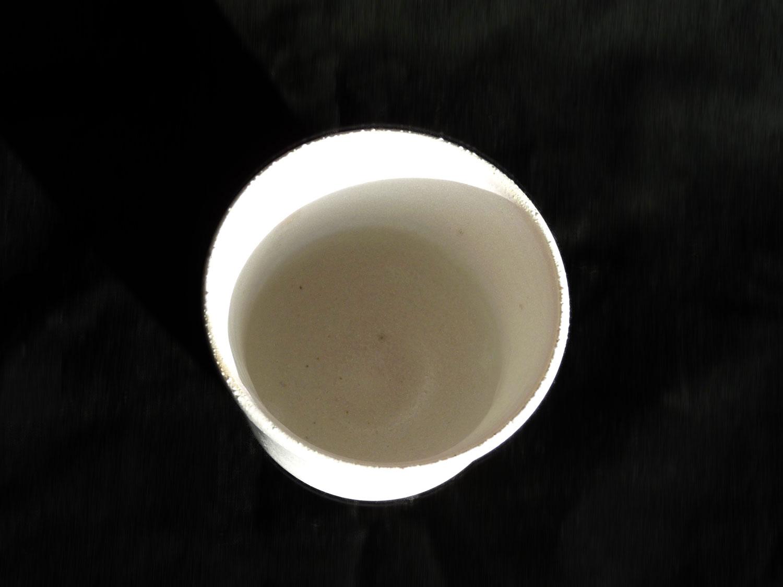 Petite tasse en grès crème