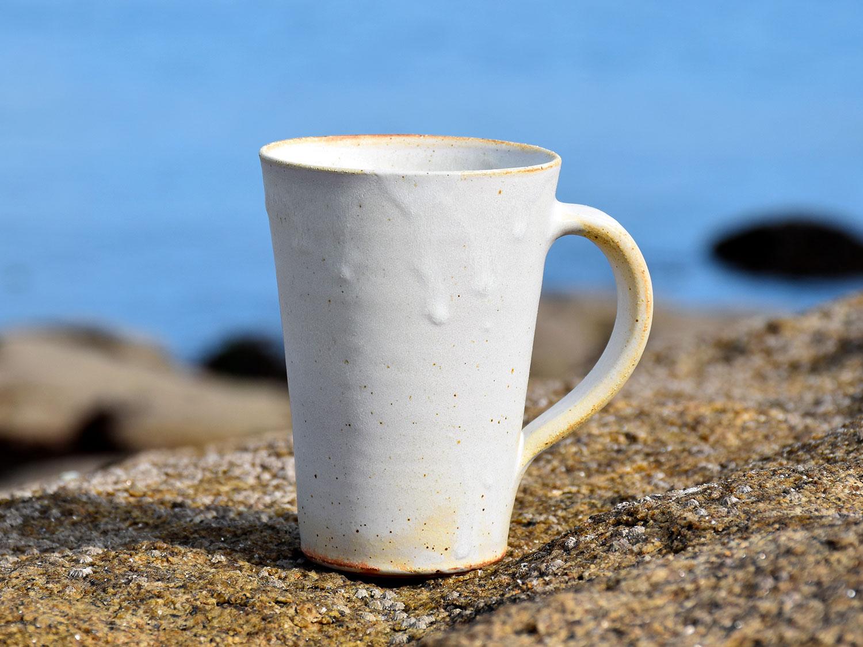 Mug en grès à bords droits